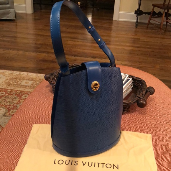 2b6a279e25d3 Louis Vuitton Handbags - Louis Vuitton Toledo Blue Epi Leather Cluny Bag